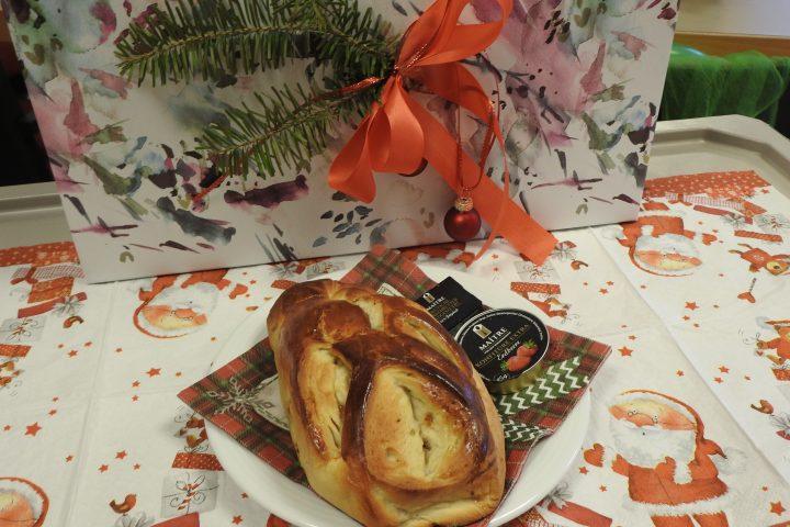 Leckerer Weihnachtsgruß vom Förderverein für die Bewohner des Altenzentrums Heinsberg 9