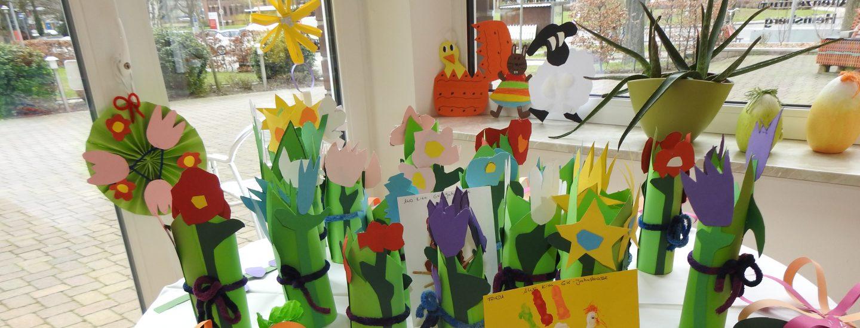 Kita-Kunst erfreut die Bewohner*innen des AWO-Altenzentrums Heinsberg 3