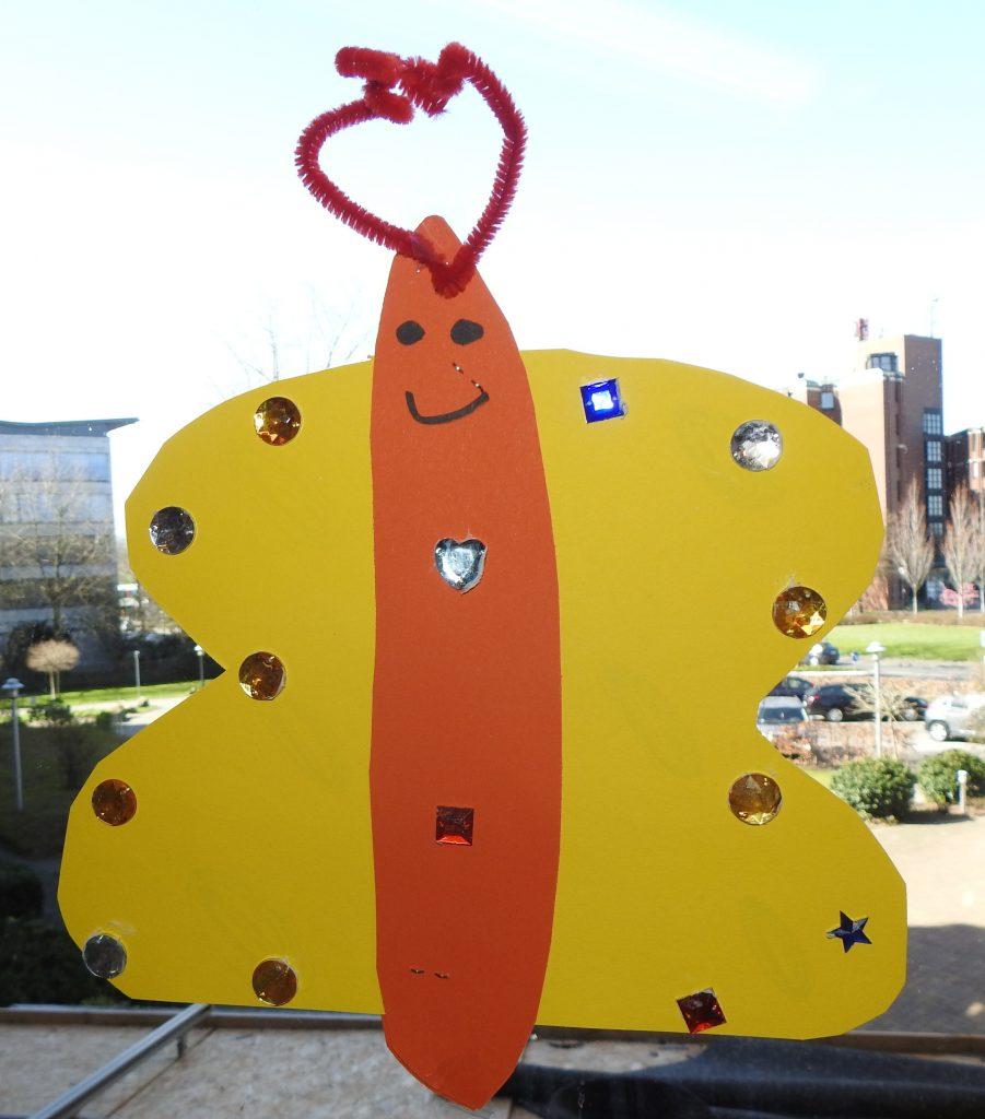 Kita-Kunst erfreut die Bewohner*innen des AWO-Altenzentrums Heinsberg 5