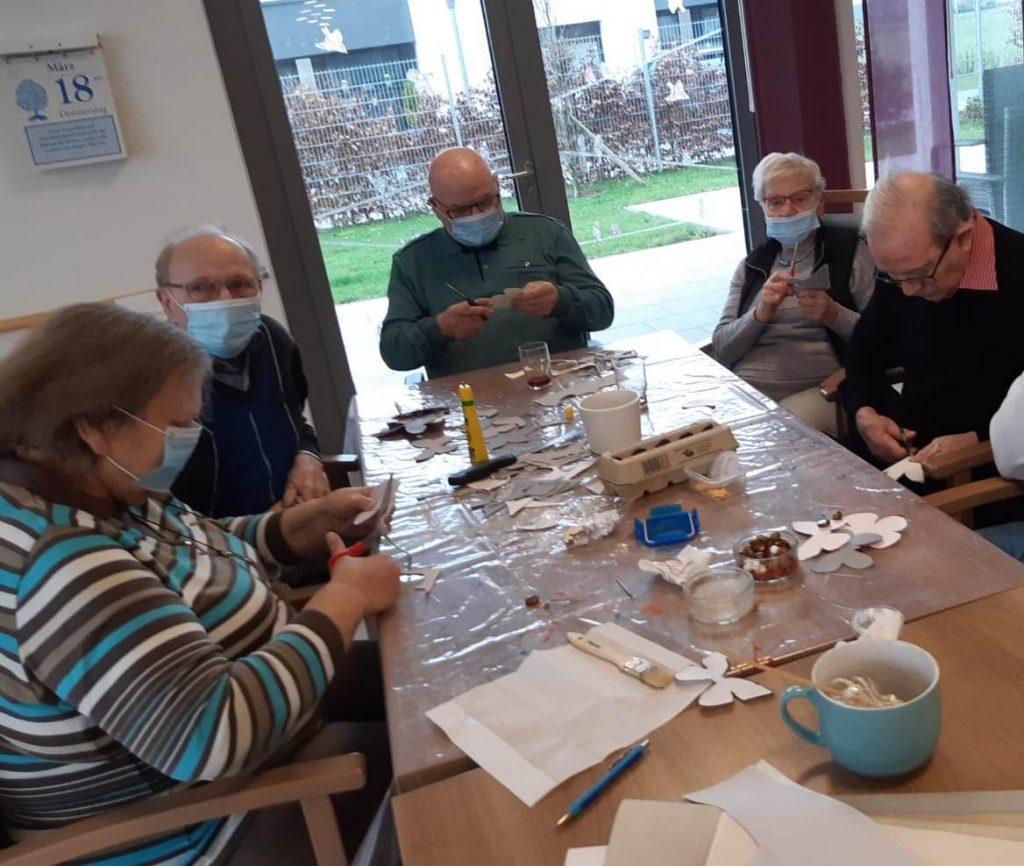 Kreatives Osterbasteln in der AWO-Tagespflege Heinsberg 5