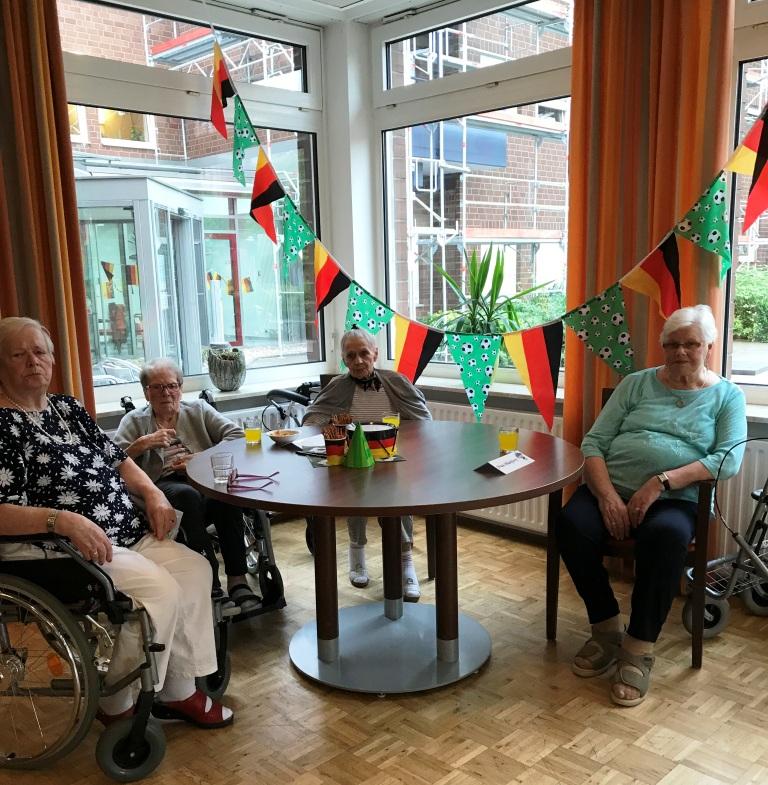 DFB-Team verliert trotz Unterstützung der Bewohner*innen vom AWO-Altenzentrum Heinsberg 3
