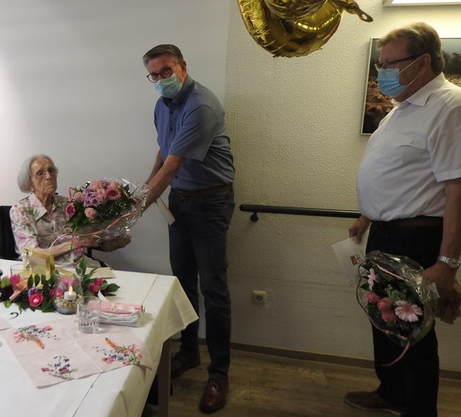 Wir gratulieren zum 100. Geburtstag 2