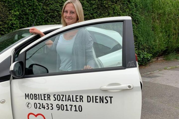 Familienpflegerin Frederike Groten unterwegs für den Mobilen Sozialen Dienst der AWO 1