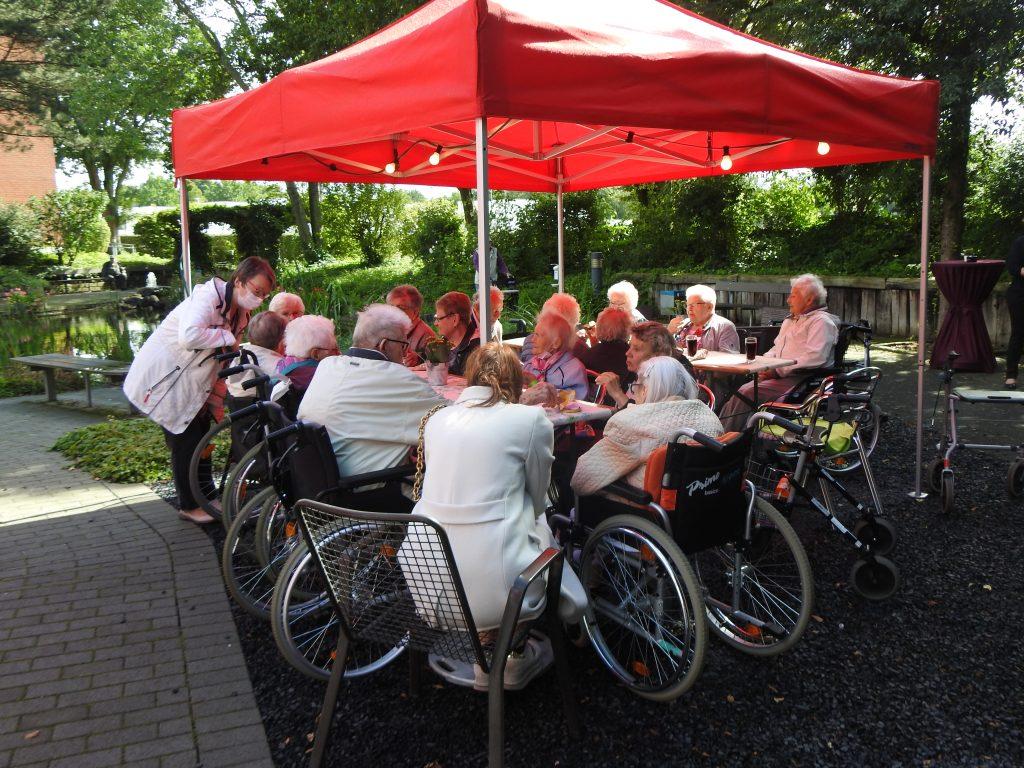 Teichfest am Altenzentrum Heinsberg - Sogar die Sonne war zu Gast 23