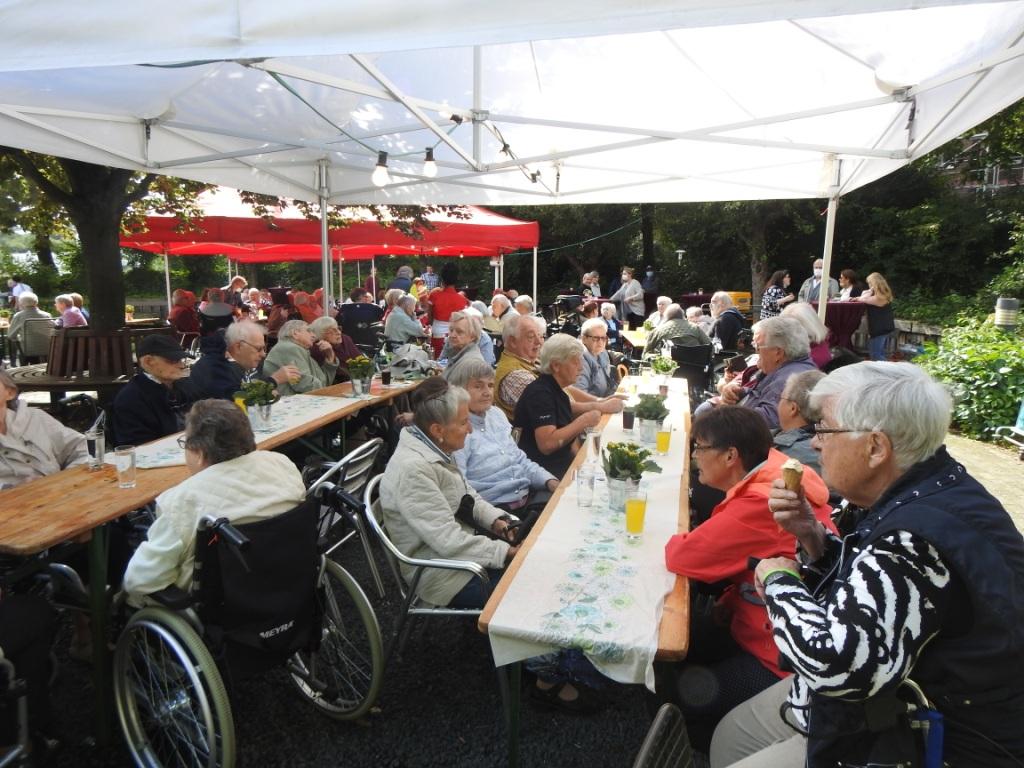 Teichfest am Altenzentrum Heinsberg - Sogar die Sonne war zu Gast 14